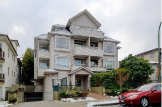 "Main Photo: 304 788 E 8TH Avenue in Vancouver: Mount Pleasant VE Condo for sale in ""Chelsea Court"" (Vancouver East)  : MLS® # R2240263"
