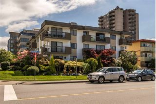 "Main Photo: 304 1650 CHESTERFIELD Avenue in North Vancouver: Central Lonsdale Condo for sale in ""Mountainview Apartments"" : MLS®# R2268151"