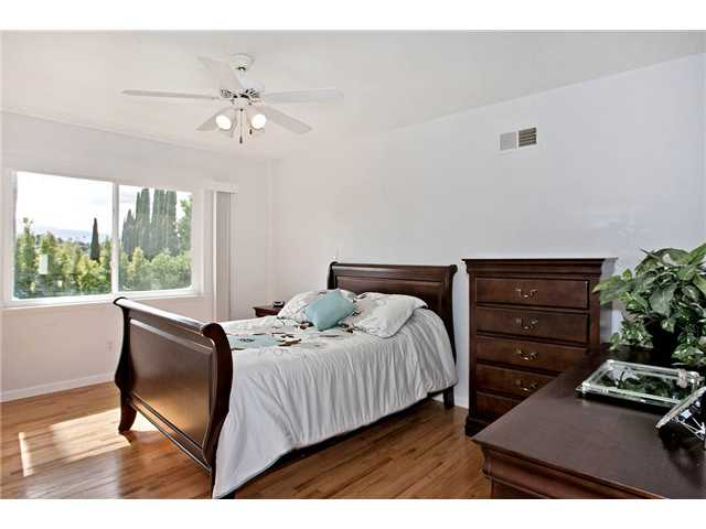 Photo 10: MOUNT HELIX House for sale : 3 bedrooms : 10601 Itzamna in La Mesa