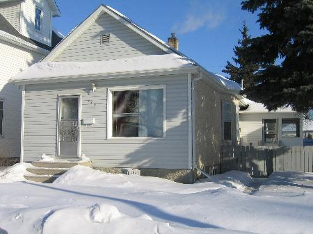 Photo 1: Photos: 785 Government Ave.: Residential for sale (East Kildonan)  : MLS® # 2702472