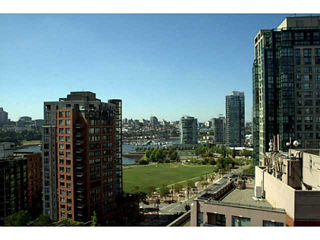 "Photo 17: 1405 212 DAVIE Street in Vancouver: Yaletown Condo for sale in ""Parkview Gardens"" (Vancouver West)  : MLS(r) # V1045499"