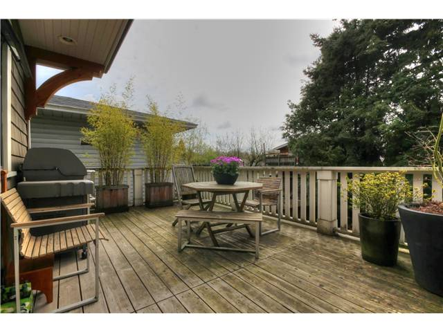 "Photo 11: 1764 E 4TH Avenue in Vancouver: Grandview VE House for sale in ""Commercial Drive"" (Vancouver East)  : MLS® # V1056746"