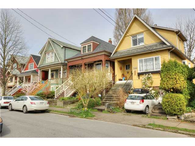 "Photo 19: 1764 E 4TH Avenue in Vancouver: Grandview VE House for sale in ""Commercial Drive"" (Vancouver East)  : MLS® # V1056746"