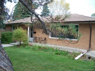 Main Photo: 235 Handsart Boulevard in WINNIPEG: River Heights / Tuxedo / Linden Woods Residential for sale (South Winnipeg)  : MLS(r) # 1424520