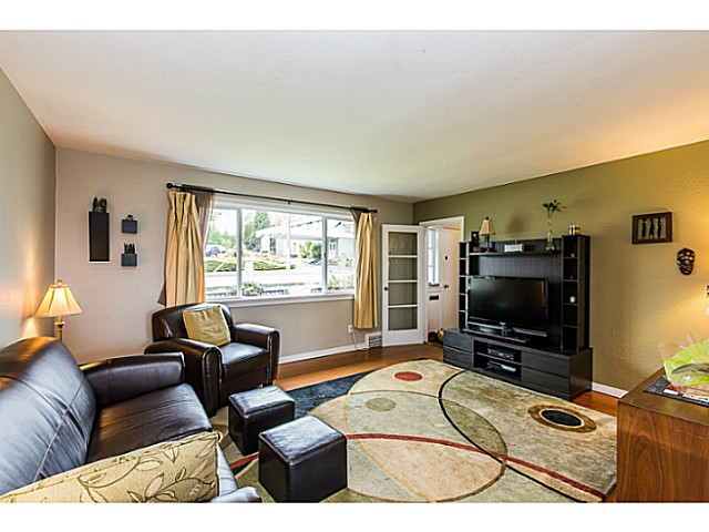 Photo 9: 2212 EIGHTH Avenue in New Westminster: Connaught Heights House for sale : MLS® # V1119564