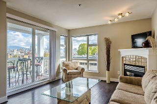 "Main Photo: 306 1858 W 5TH Avenue in Vancouver: Kitsilano Condo for sale in ""Greenwich"" (Vancouver West)  : MLS® # R2003275"