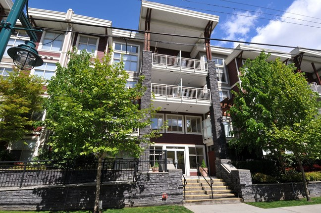 "Main Photo: 313 2477 KELLY Avenue in Port Coquitlam: Central Pt Coquitlam Condo for sale in ""SOUTH VERDE"" : MLS® # R2034912"