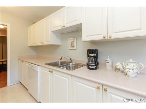 Photo 5: 107 3009 Brittany Drive in VICTORIA: La Jacklin Condo Apartment for sale (Langford)  : MLS® # 360976