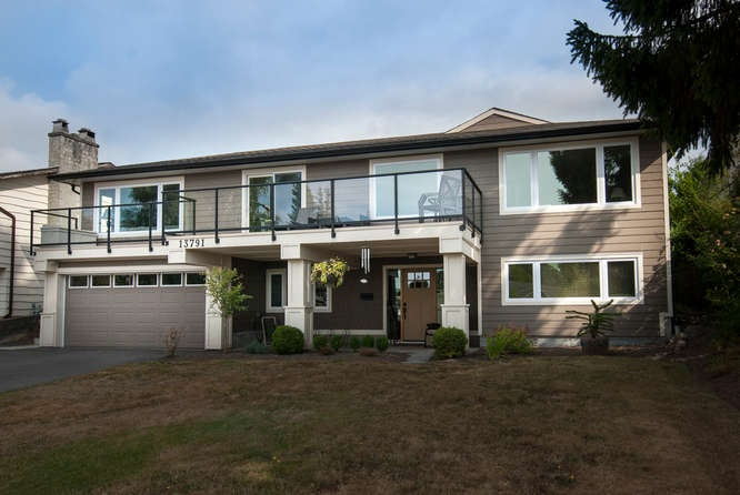 "Main Photo: 13791 MALABAR Avenue: White Rock House for sale in ""West White Rock"" (South Surrey White Rock)  : MLS® # R2042323"