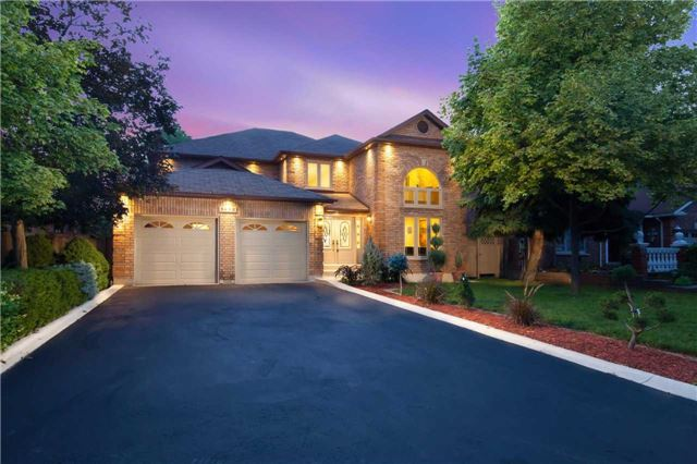 Main Photo: 3695 East Park Court in Mississauga: Erin Mills House (2-Storey) for sale : MLS® # W3582312