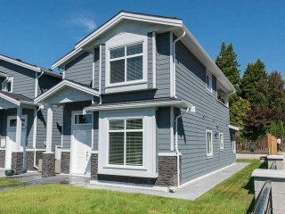 Main Photo: 4791 IRMIN Street in Burnaby: Metrotown House 1/2 Duplex for sale (Burnaby South)  : MLS(r) # R2130281