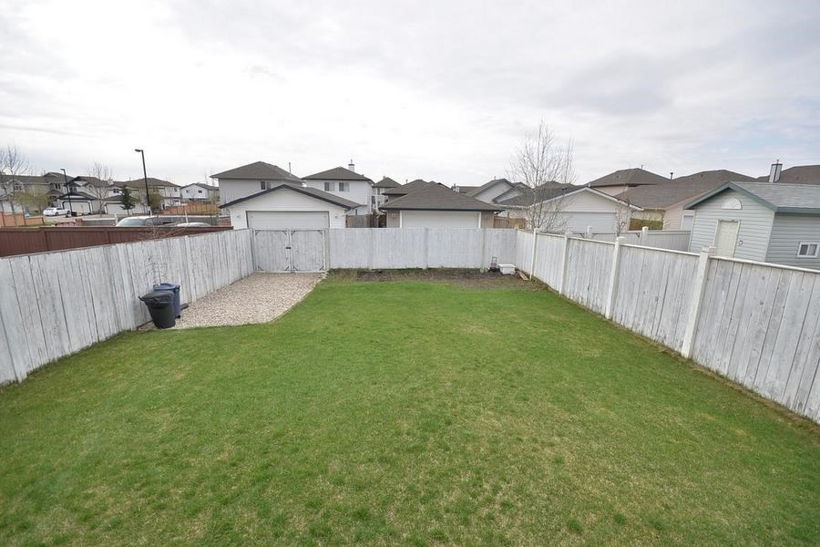 Photo 30: 1905 37A Avenue in Edmonton: Zone 30 House for sale : MLS(r) # E4063274