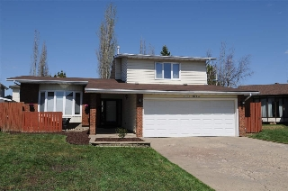 Main Photo: 11110 173A Avenue in Edmonton: Zone 27 House for sale : MLS(r) # E4063630