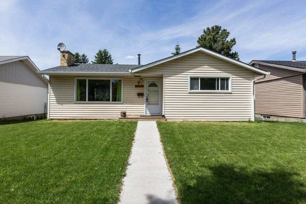 Main Photo: 9 BALMORAL Drive: St. Albert House for sale : MLS(r) # E4067990