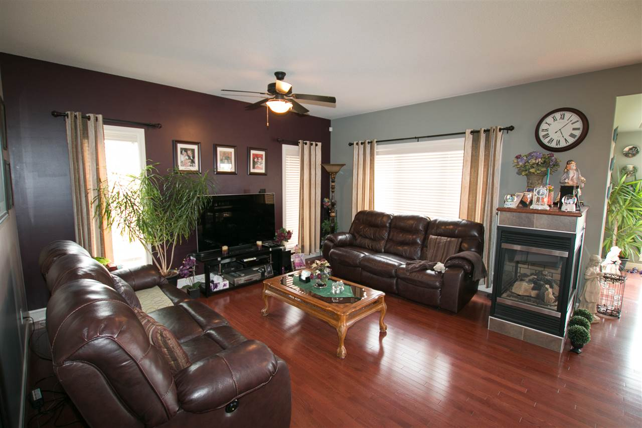 Photo 4: 46 NEWBURY Court: St. Albert House for sale : MLS(r) # E4068631