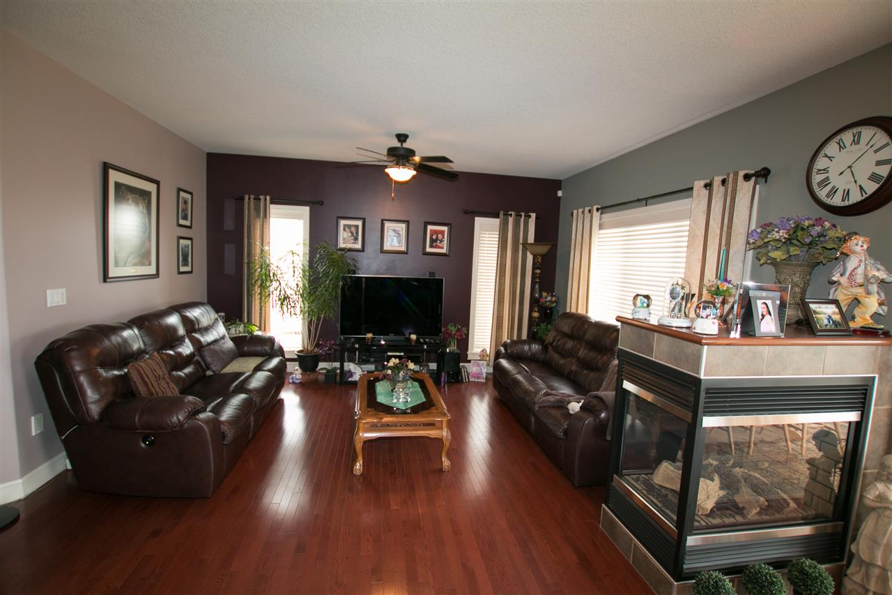 Photo 5: 46 NEWBURY Court: St. Albert House for sale : MLS(r) # E4068631