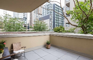 "Main Photo: 202 789 DRAKE Street in Vancouver: Downtown VW Condo for sale in ""CENTURY TOWER"" (Vancouver West)  : MLS(r) # R2179331"