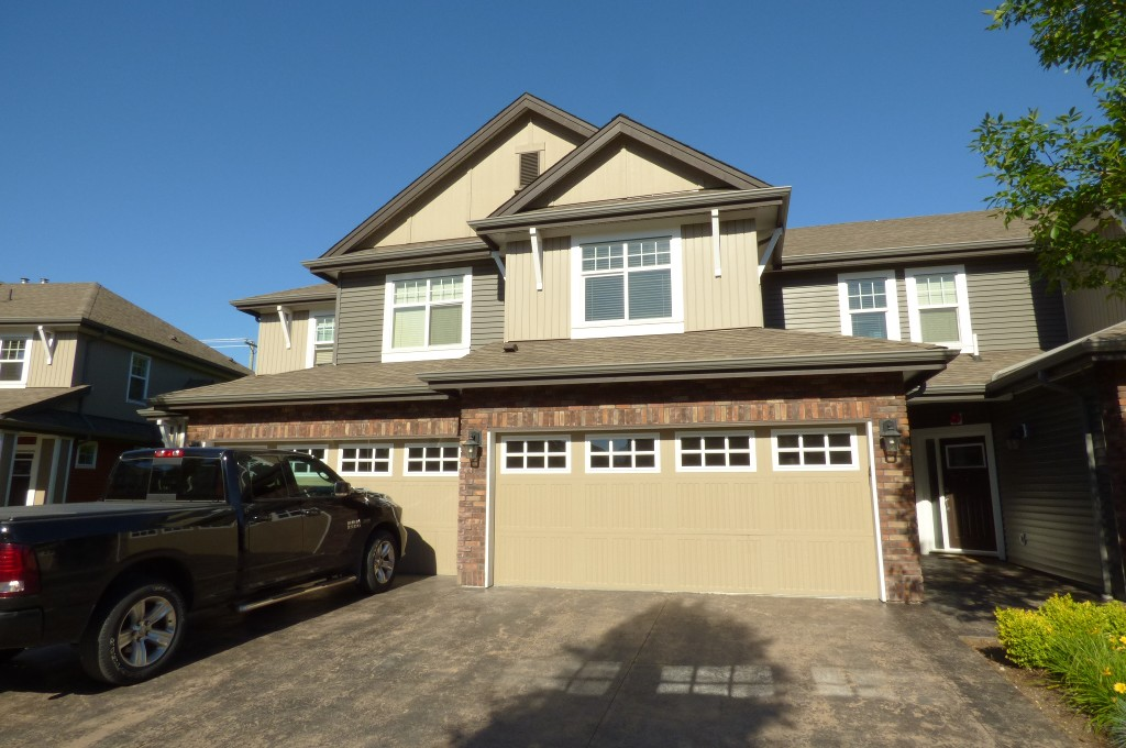 Photo 1: Photos: 21 45762 SAFFLOWER CRESCENT in Sardis: Sardis East Vedder Rd Townhouse for sale : MLS® # R2180610