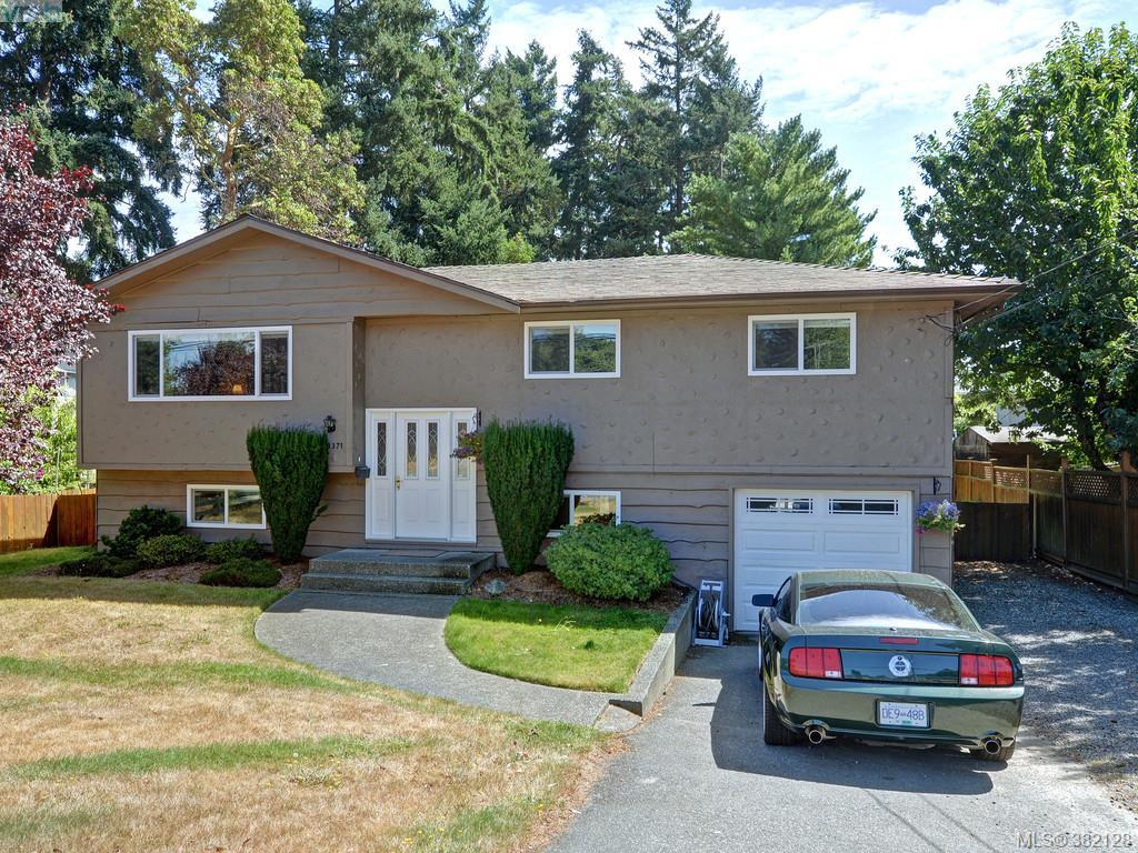 Main Photo:  in VICTORIA: Co Wishart South Single Family Detached for sale (Colwood)  : MLS® # 382128