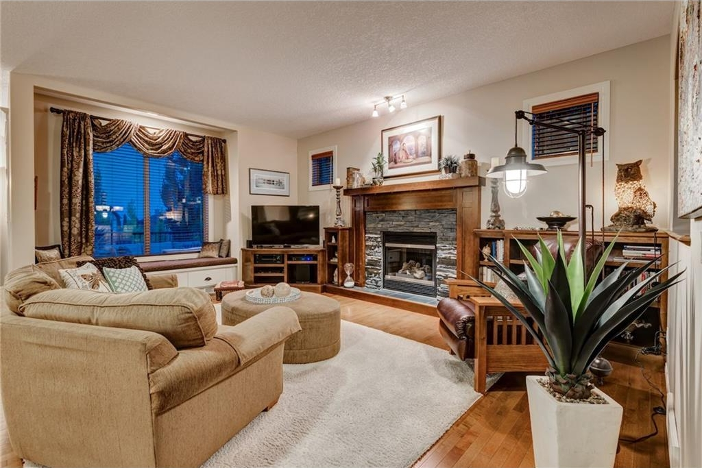 Photo 11: 101 TUSSLEWOOD Bay NW in Calgary: Tuscany House for sale : MLS® # C4136275