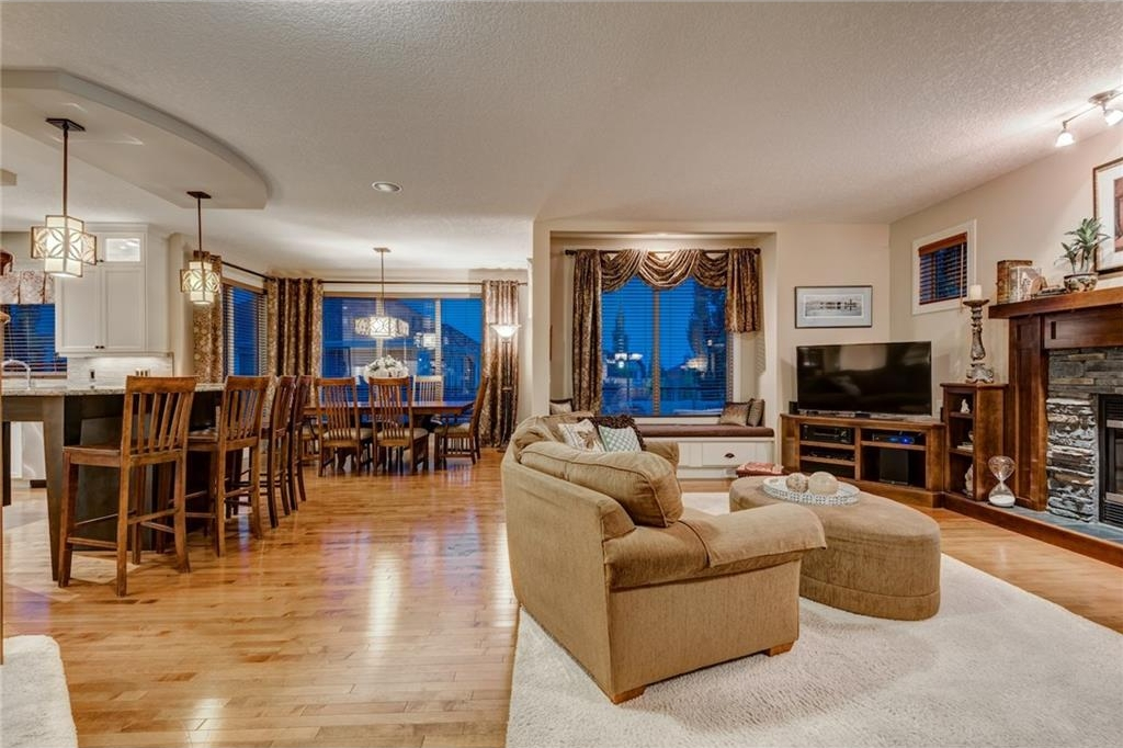 Photo 15: 101 TUSSLEWOOD Bay NW in Calgary: Tuscany House for sale : MLS® # C4136275