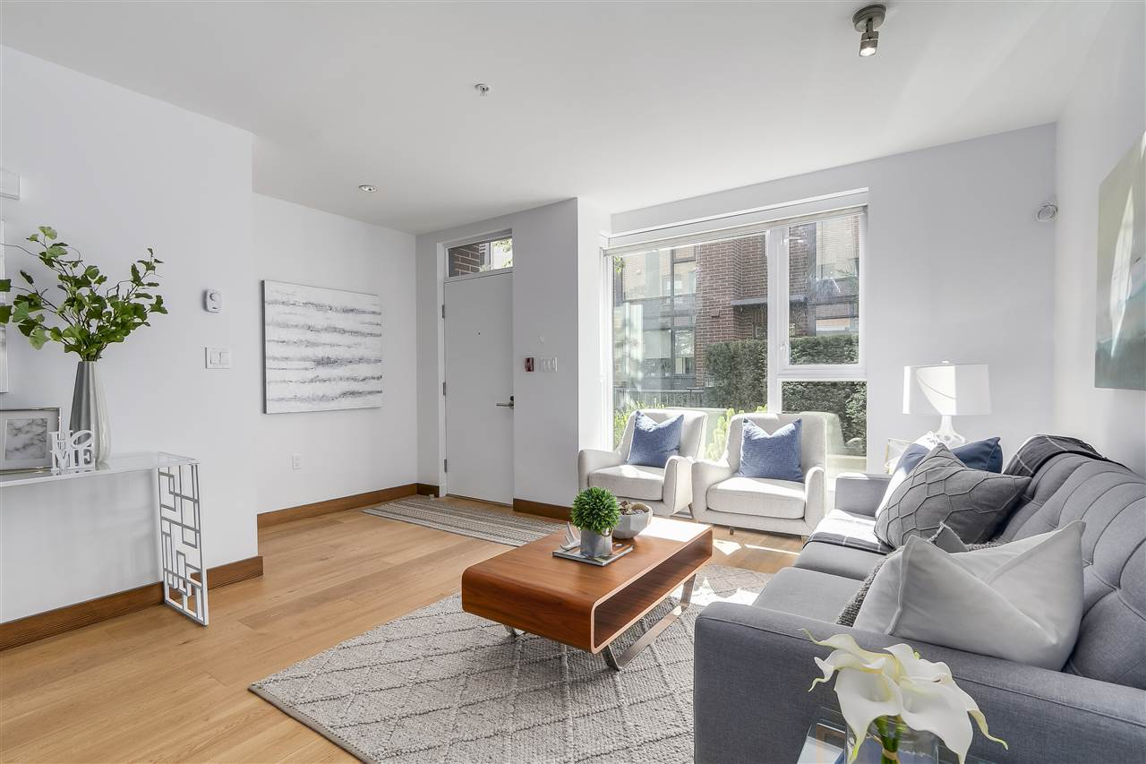 "Photo 4: 214 1961 COLLINGWOOD Street in Vancouver: Kitsilano Townhouse for sale in ""VIRIDIAN GREEN"" (Vancouver West)  : MLS® # R2205025"