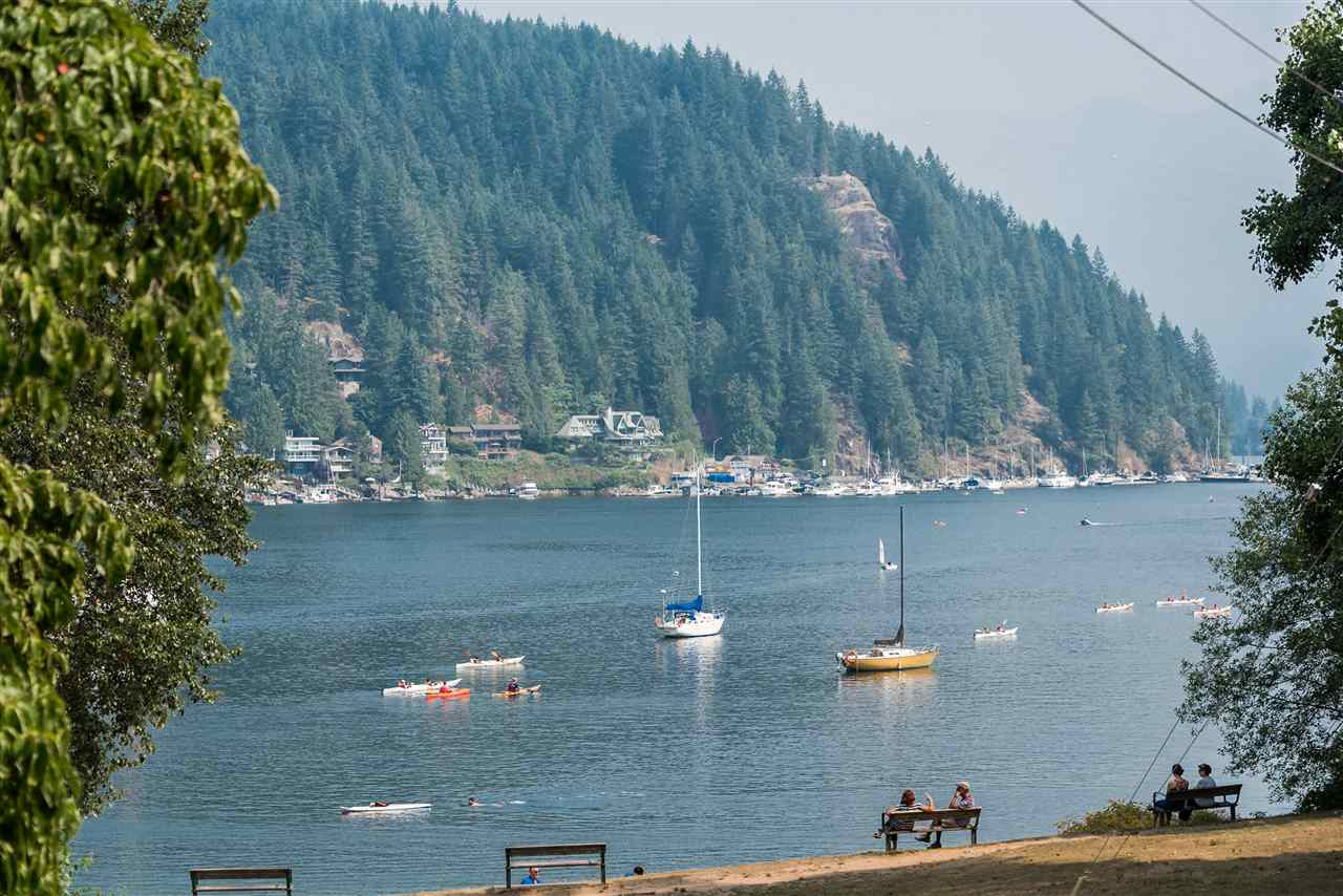 Main Photo: 2035 ROCKCLIFF Road in North Vancouver: Deep Cove House for sale : MLS® # R2210600