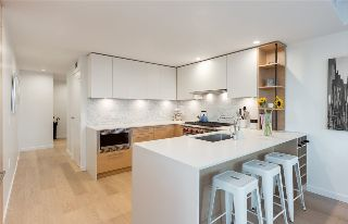 "Main Photo: 204 1819 W 5 Avenue in Vancouver: Kitsilano Condo for sale in ""WEST FIVE"" (Vancouver West)  : MLS® # R2211984"