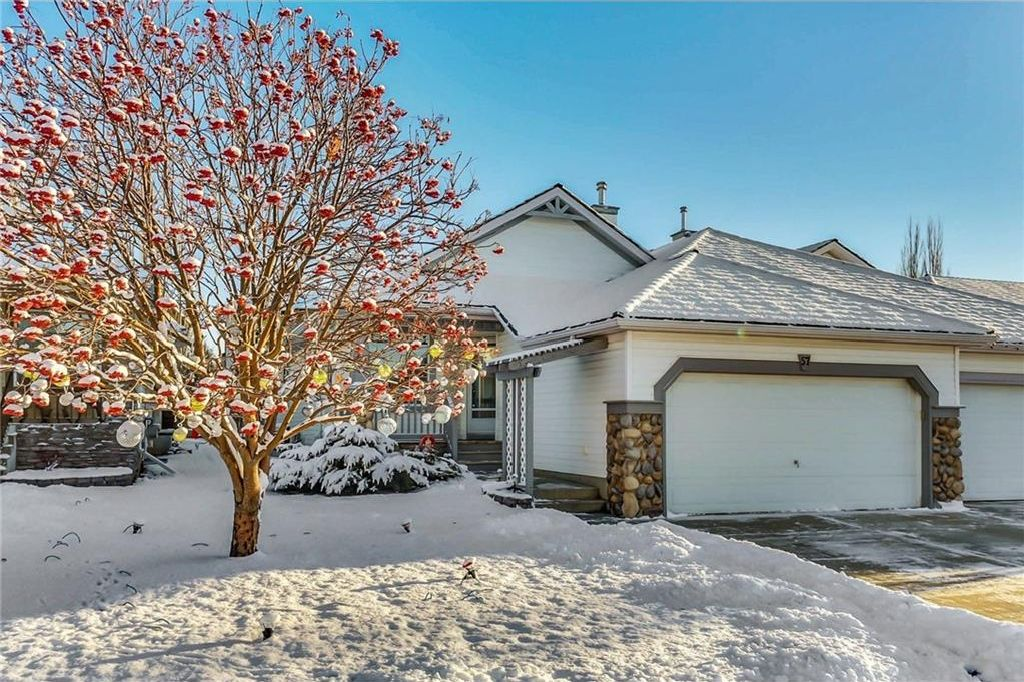 Main Photo: 57 CHAPARRAL Villa(s) SE in Calgary: Chaparral House for sale : MLS®# C4149750
