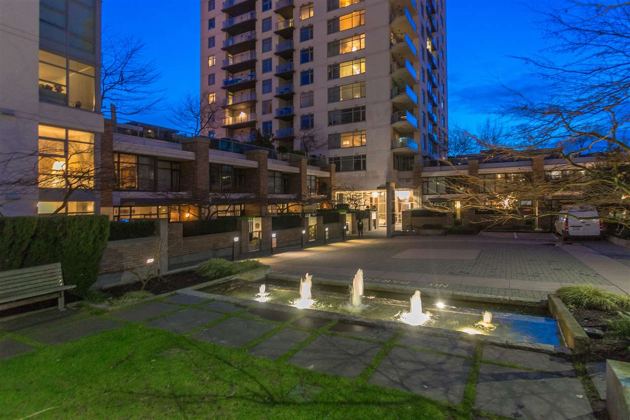 "Photo 14: Photos: 1301 CIVIC PLACE Mews in North Vancouver: Central Lonsdale Townhouse for sale in ""Vista Place"" : MLS® # R2244571"