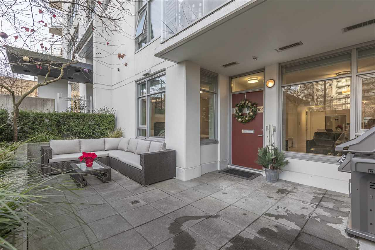 "Photo 11: Photos: 1301 CIVIC PLACE Mews in North Vancouver: Central Lonsdale Townhouse for sale in ""Vista Place"" : MLS® # R2244571"