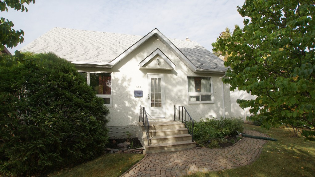 Main Photo: 317 Hazel Dell Avenue in Winnipeg: East Kildonan Residential for sale (North East Winnipeg)  : MLS®# 1211973