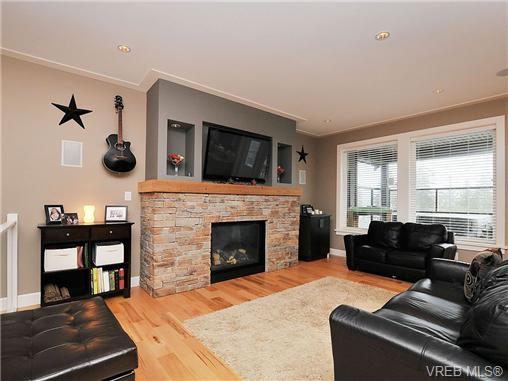 Great room, Gas Fireplace, T.V.