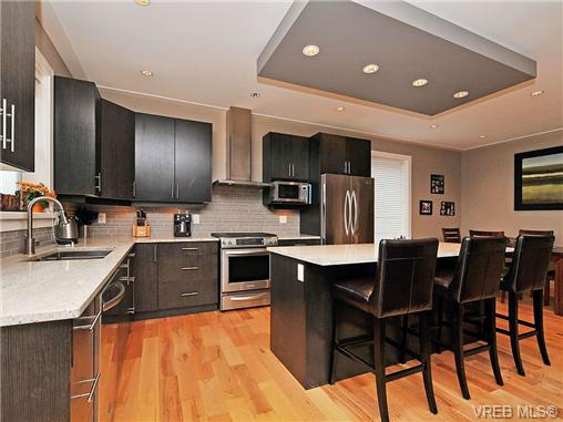 Kitchen and dining. granite countertops