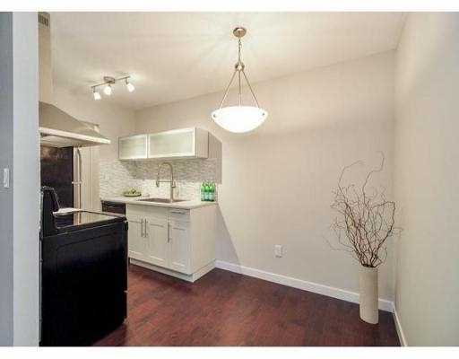 "Photo 7: 204 630 CLARKE Road in Coquitlam: Coquitlam West Condo for sale in ""KING CHARLES COURT"" : MLS® # V1054989"