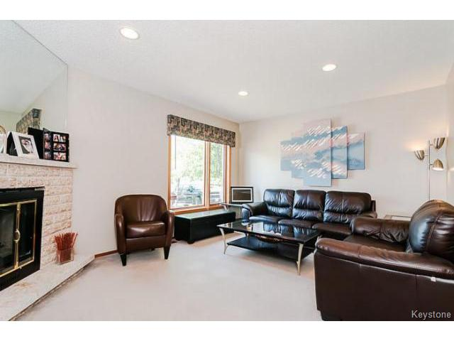 Photo 4: 181 Kildonan Meadow Drive in WINNIPEG: Transcona Residential for sale (North East Winnipeg)  : MLS® # 1412346