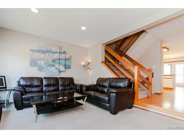 Photo 3: 181 Kildonan Meadow Drive in WINNIPEG: Transcona Residential for sale (North East Winnipeg)  : MLS® # 1412346