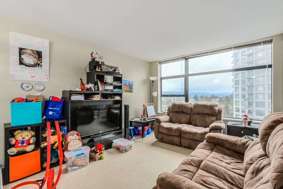 "Photo 3: 1401 5380 OBEN Street in Vancouver: Collingwood VE Condo for sale in ""URBA"" (Vancouver East)  : MLS(r) # R2032999"