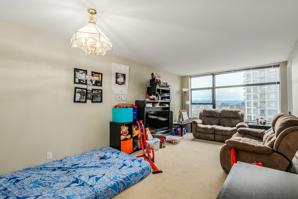 "Photo 5: 1401 5380 OBEN Street in Vancouver: Collingwood VE Condo for sale in ""URBA"" (Vancouver East)  : MLS(r) # R2032999"