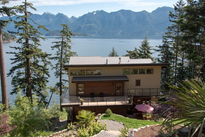 Main Photo: 264 JASON Road: Bowen Island House for sale : MLS® # R2073702