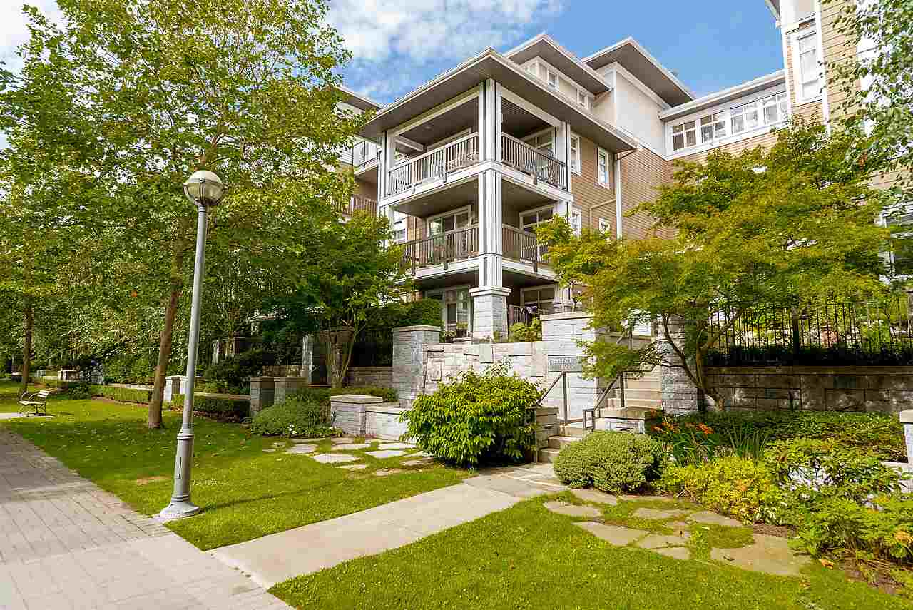 "Main Photo: 202 6279 EAGLES Drive in Vancouver: University VW Condo for sale in ""REFLECTIONS"" (Vancouver West)  : MLS®# R2090919"