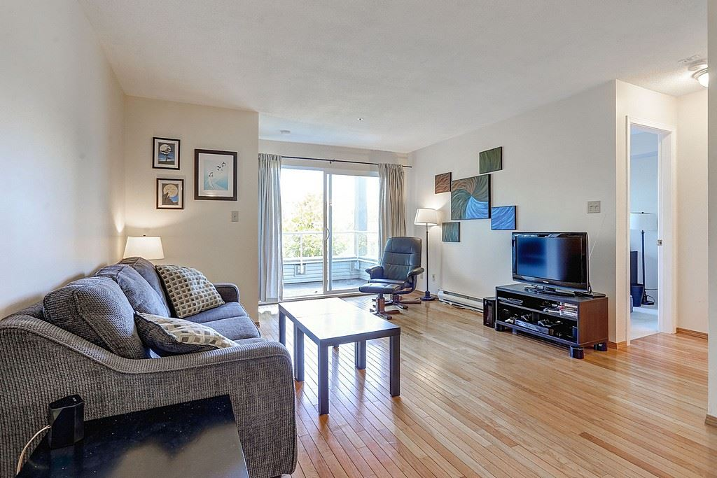 "Photo 7: 304 3480 YARDLEY Avenue in Vancouver: Collingwood VE Condo for sale in ""THE AVALON"" (Vancouver East)  : MLS® # R2097199"