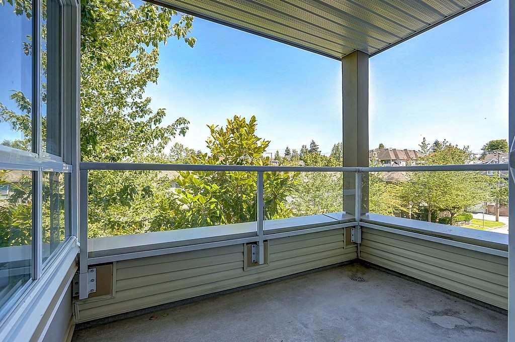 "Photo 18: 304 3480 YARDLEY Avenue in Vancouver: Collingwood VE Condo for sale in ""THE AVALON"" (Vancouver East)  : MLS® # R2097199"
