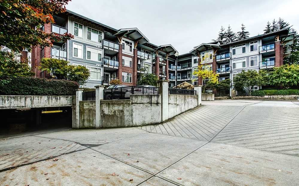 "Photo 17: 107 11950 HARRIS Road in Pitt Meadows: Central Meadows Condo for sale in ""ORIGIN"" : MLS(r) # R2119232"
