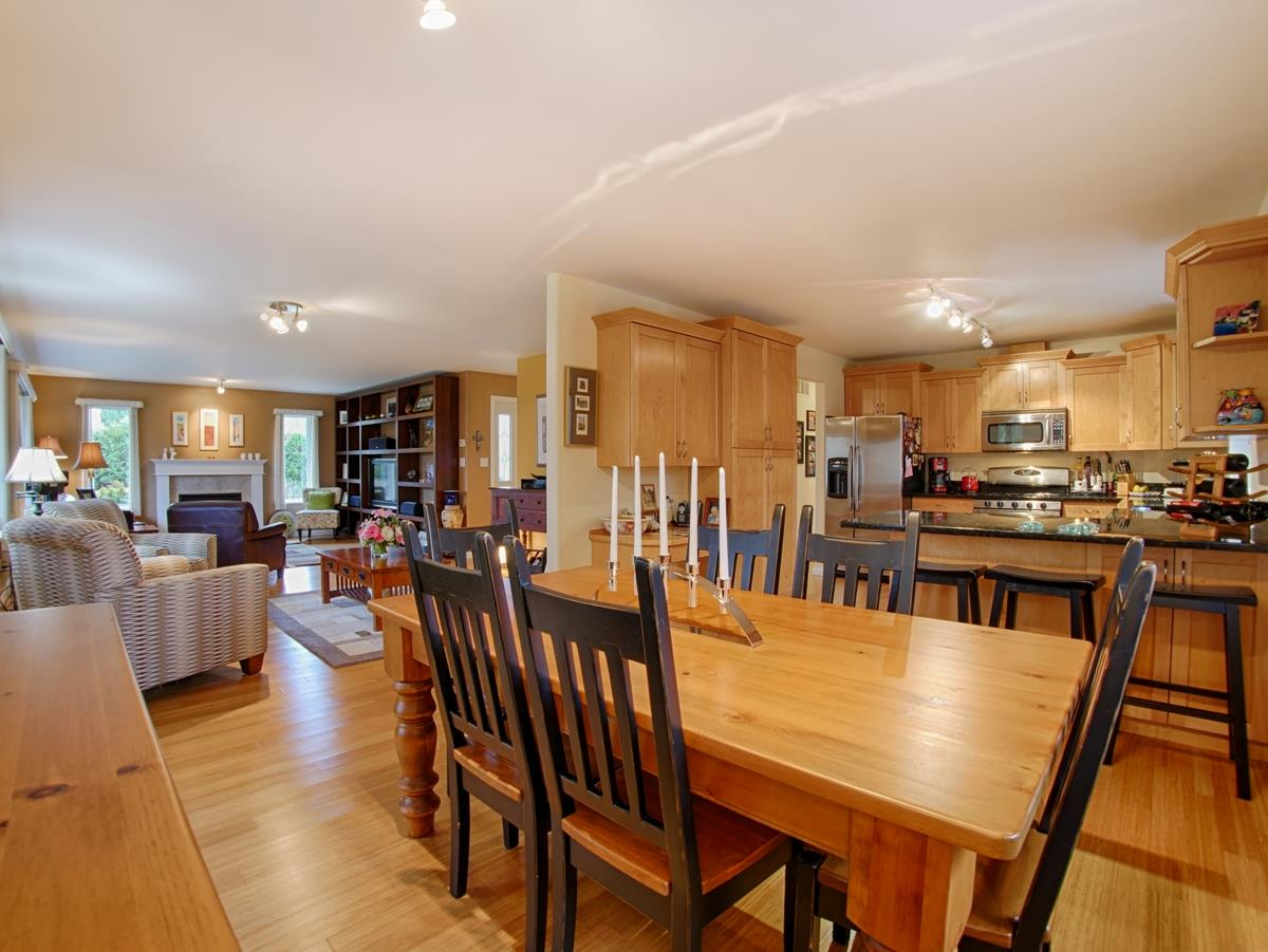 "Photo 4: 866 INGLIS Road in Gibsons: Gibsons & Area House for sale in ""INGLIS HEIGHTS"" (Sunshine Coast)  : MLS(r) # R2133965"