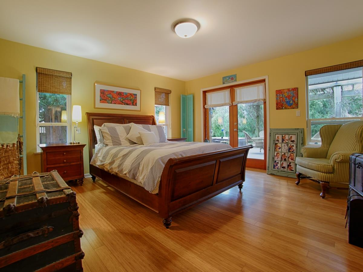 "Photo 6: 866 INGLIS Road in Gibsons: Gibsons & Area House for sale in ""INGLIS HEIGHTS"" (Sunshine Coast)  : MLS(r) # R2133965"