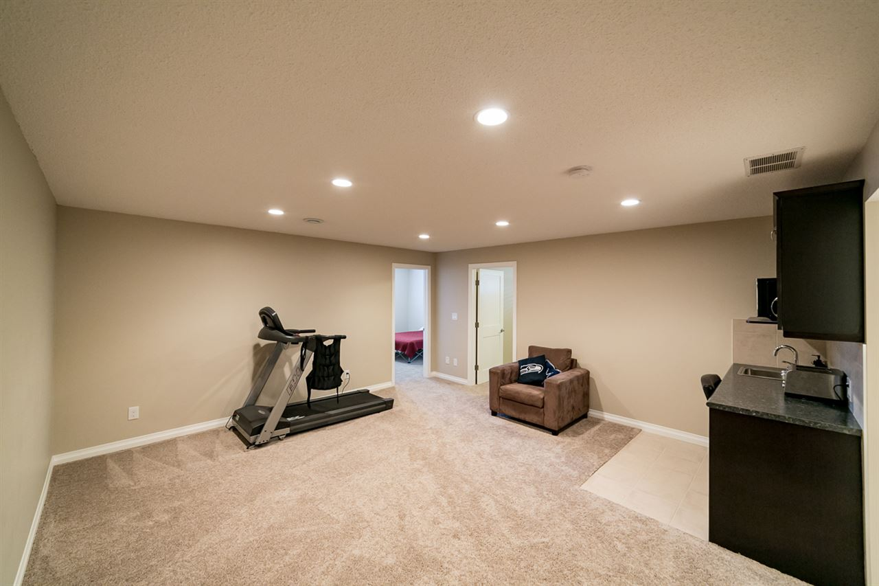Fully finished basement wit Rec room and wet bar