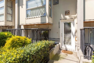 "Main Photo: 2233 ASH Street in Vancouver: Fairview VW Townhouse for sale in ""STELLA DEL FIORDO"" (Vancouver West)  : MLS(r) # R2168815"