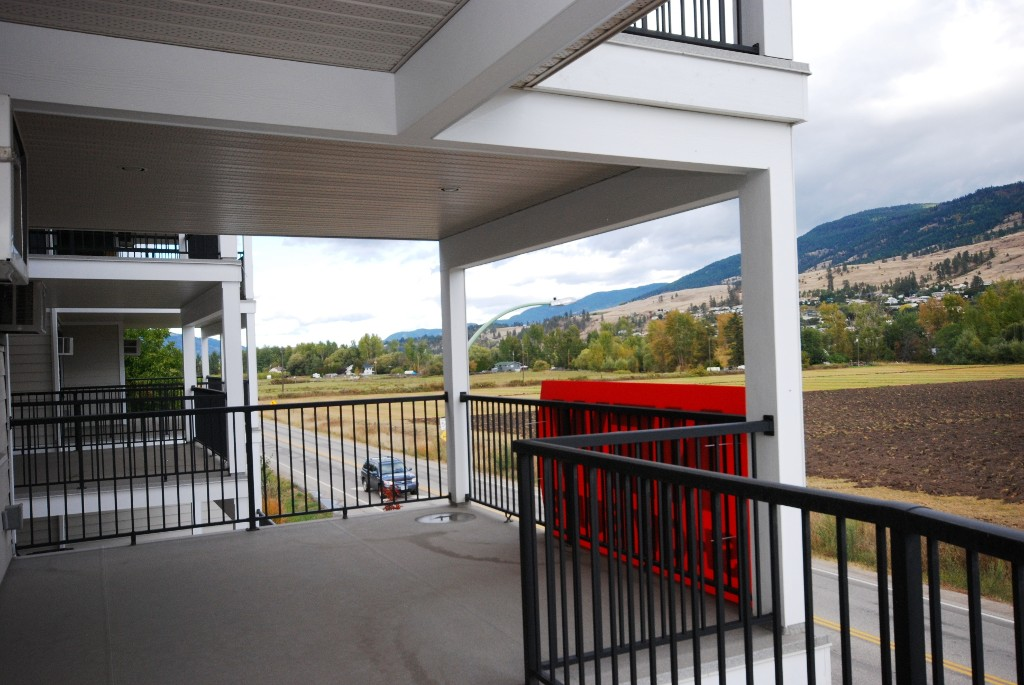 Photo 15: 201 10529 Powley Court in Lake Country: Lake Country East / Oyama House for sale (Central Okanagan)  : MLS(r) # 10036319