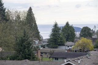 "Main Photo: 306 875 GIBSONS Way in Gibsons: Gibsons & Area Condo for sale in ""Soames Place"" (Sunshine Coast)  : MLS(r) # R2180246"